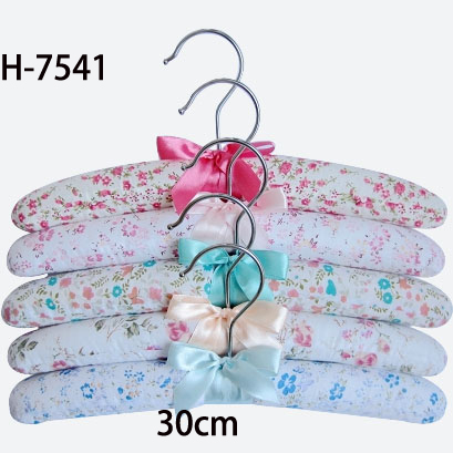 7541 satin children hanger